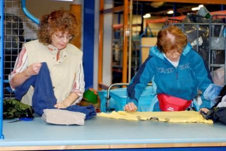 Twiddus zamelt in de gemeenten Heusden, Loon op Zand en Waalwijk gebruikte kleding in. Die komt uiteindelijk in de verkoop. Wat niet verkoopbaar of kapot is, gaat verder in de kringloop.