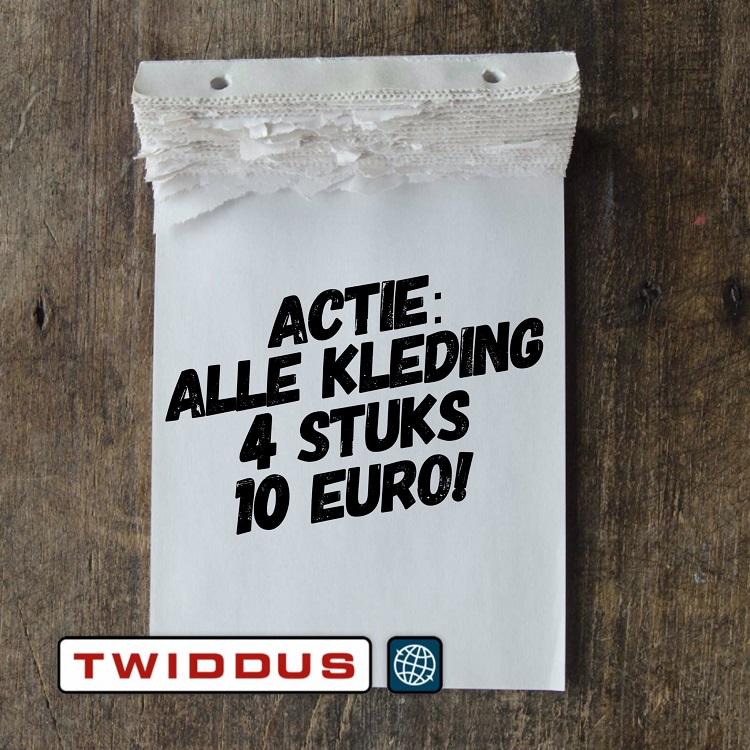 Twiddus doet de kleding in de uitverkoop.